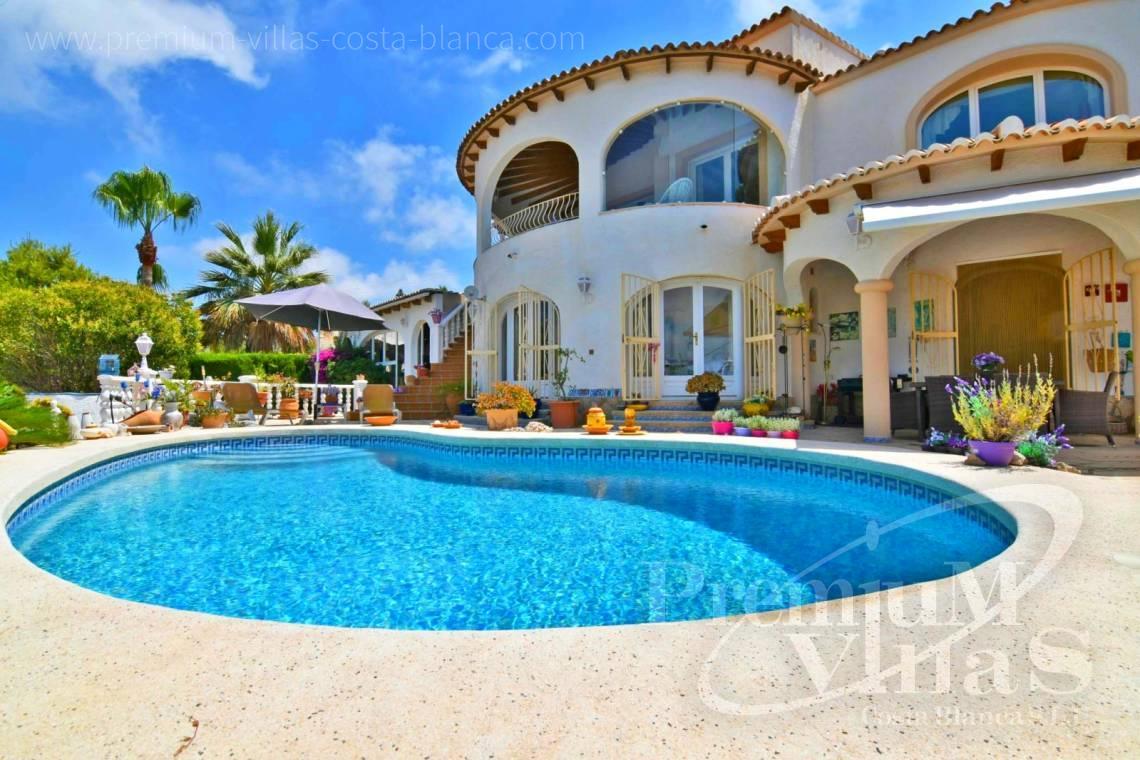 Calpe costa blanca magn fica villa con piscina climatizada for Villas en calpe con piscina